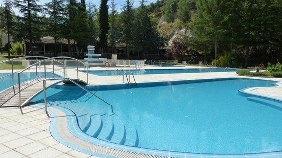 Habitaci n hotel sports n yade piscinas angeles de san for Hotel piscina segovia